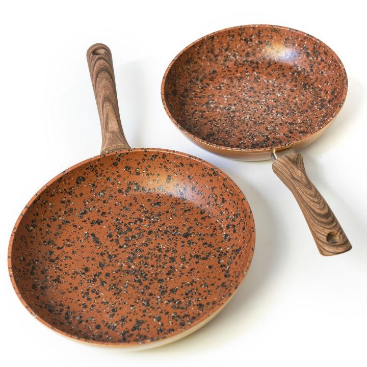 Set Regis Stone Copper Maestro: Tigai 24 Si 28 Cm Antiaderente, Cu Particule De Piatra Si Cupru